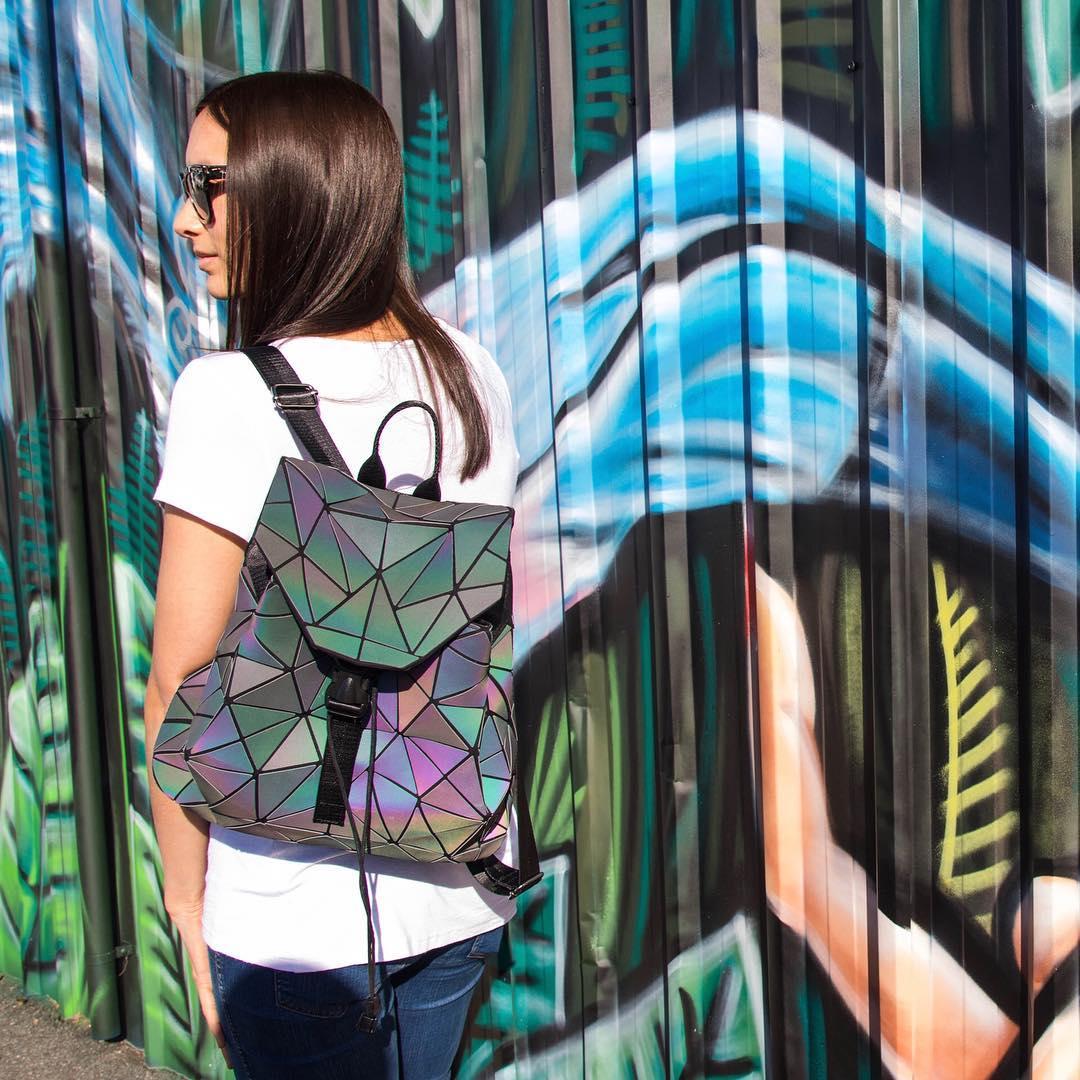 Неоновый рюкзак Хамелеон